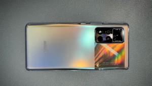 Стала известна цена смартфона Honor V40