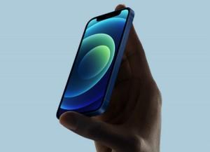 Смартфон iPhone 12 mini слабо продается в России