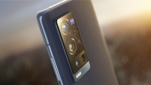 Представлен топовый камерофон Vivo X60 Pro+