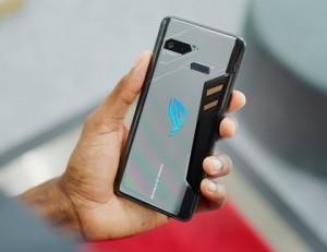 ASUS ROG Phone 5 показали на фото