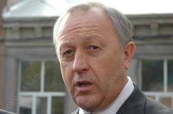 Губернатор призвал 'выровнять экономику' Саратовской области