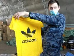 На границе с Казахстаном задержаны контрафактные одежда, обувь и запчасти