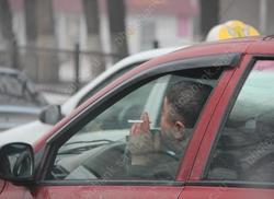 Телефонный мошенник выманил деньги у таксиста