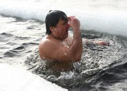 Верующим рекомендовали воздержаться от крещенских купаний в этом году