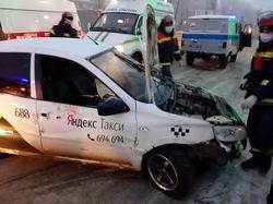 На проспекте 50 лет Октября погибла пассажирка такси