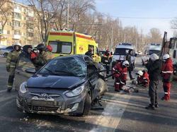Водитель 'Соляриса' получил тяжелые травмы в столкновении с 'МАЗом'
