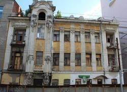 Власти ищут деньги для сохранения дома Яхимовича и Дома офицеров