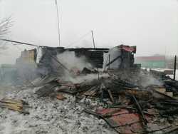 Пожар оставил сельчанку без дома и с ожогами
