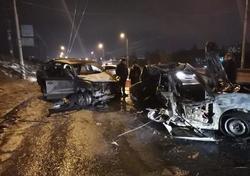 После столкновения водитель погиб в загоревшемся 'Ниссане'