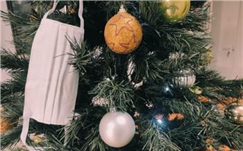«Не ходите в гости и не зовите родственников»: Роспотребнадзор дал красноярцам советы, как безопасно встретить Новый год и не заразиться COVID