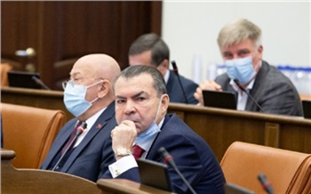 Минздрав Красноярского края пригласит в ковидные госпитали врачей из других регионов. Им обещают доплату 150 тысяч в месяц