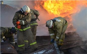 В Богучанском районе пожарные нашли в горящей квартире убитого мужчину. Возбуждено уголовное дело