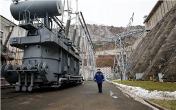 На Красноярской ГЭС установили первый из семи новых трансформаторов