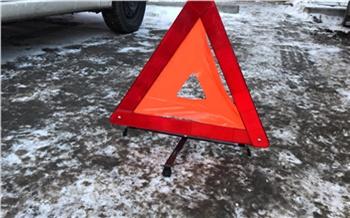 Под Красноярском полицейские вновь спасли водителя сломавшейся машины. Еще одна после ДТП три ночи простояла в кювете