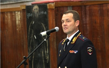 В Красноярске обвиненного в коррупции бывшего генерала полиции взяли под стражу в зале суда