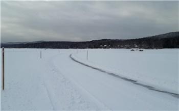 «Выезд на лед в других местах опасен»: на Красноярском водохранилище открылась ледовая переправа «Хмельники»