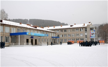 В Железногорском кадетском корпусе 11-классник выпал из окна и повредил позвоночник