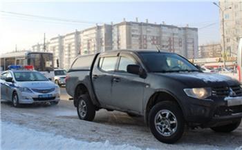 Задолжавшего миллион жителя Красноярска поймали на дороге и арестовали его пикап