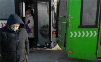 «Решили самоликвидироваться»: на выезде из Солнечного столкнулись два автобуса