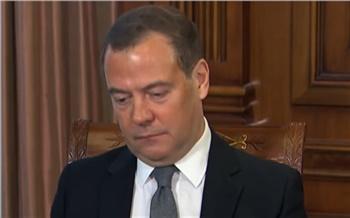 «Ключи от ларчика — за океаном»: Дмитрий Медведев допустил возможность отключения России от интернета