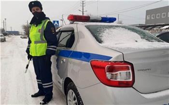 В Канске полиция устроила погоню по загородному поселку за нетрезвым водителем. Он угнал машину у родственников