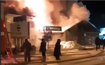 В поселке Богучанского района ночью сгорели кафе и три магазина