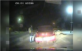 В Богучанском районе пьяный водитель без спроса взял служебную машину и уехал по делам. Остановила полиция