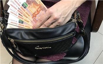 Директора пансионата будут судить за хищение 400 тысяч у канских стариков