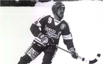 В Красноярске скончался легендарный хоккеист «Енисея» Юрий Першин