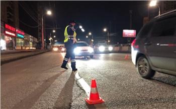 Красноярец прямо на дороге заплатил 219 штрафов за превышение скорости после обещания приставов арестовать автомобиль