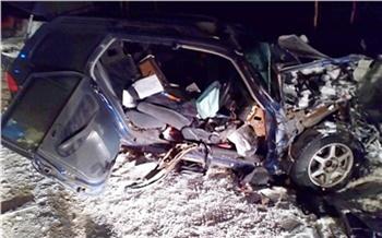В Красноярском крае после столкновения с микроавтобусом погиб водитель «Хонды»