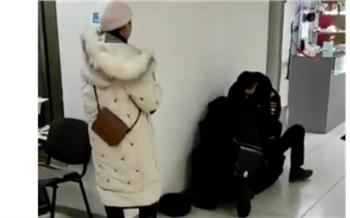 Задержанный без маски в ТЦ «Квант» красноярец стал фигурантом уголовного дела