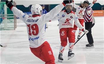 «Впервые с 2016 года!»: красноярский «Енисей» выиграл чемпионат России по хоккею с мячом