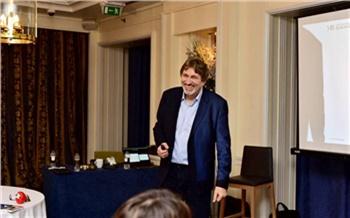 Красноярцев пригласили на семинар знаменитого бизнес-эксперта Майкла Бэнга. Он научит эффективным продажам