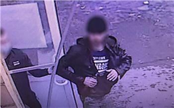 В Красноярске мужчина с ножом пошел на разбой ради двух бутылок алкоголя