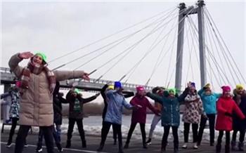 «В самом сердце Сибири»: красноярские школьники запустили танцевальный флешмоб «Я-ЗА»