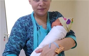 Спустя 22 года после тяжелой травмы красноярка родила сына в больнице, где ей спасли жизнь