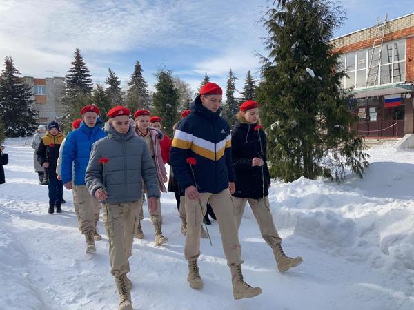 90 школьников Брянского района стали юнармейцами