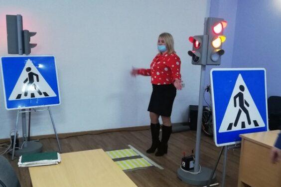 Брянские учителя физкультуры тренировались в знаниях правил дорожного движения