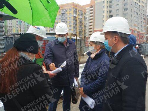 В Брянске ускорилось строительство ТЦ «МегаГРИНН»