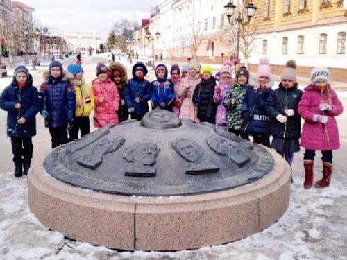 Брянцы отметили 87-й день рождения Юрия Гагарина