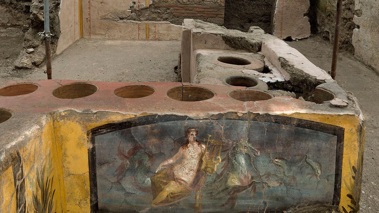 В Помпеях нашли древний киоск с остатками пищи
