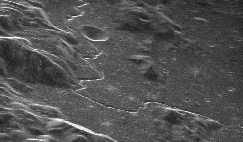 Мощный радиотелескоп позволяет ученым видеть мелкие детали на поверхности удаленных объектов Солнечной системы