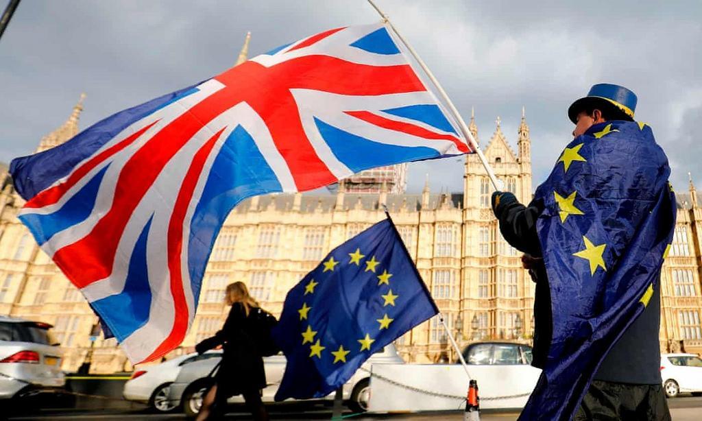 Британия окончательно вышла из Евросоюза