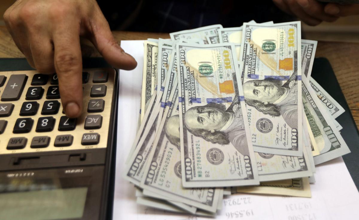Трудоустройство за границей: эксперт рассказал о риске потерять до $1,5 тысяч из-за мошенников