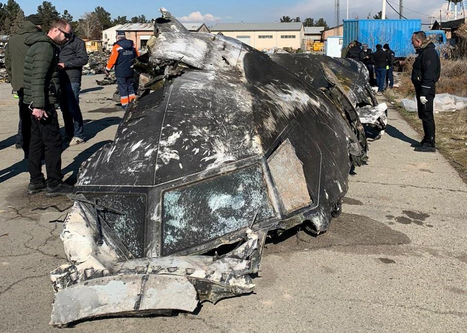 Иран отозвал предложение по выплатам семьям погибших в катастрофе самолета МАУ - Енин