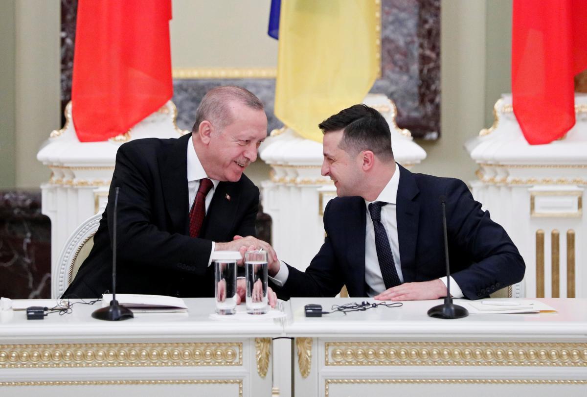 Зеленский поблагодарил Эрдогана за помощь в эвакуации украинских моряков