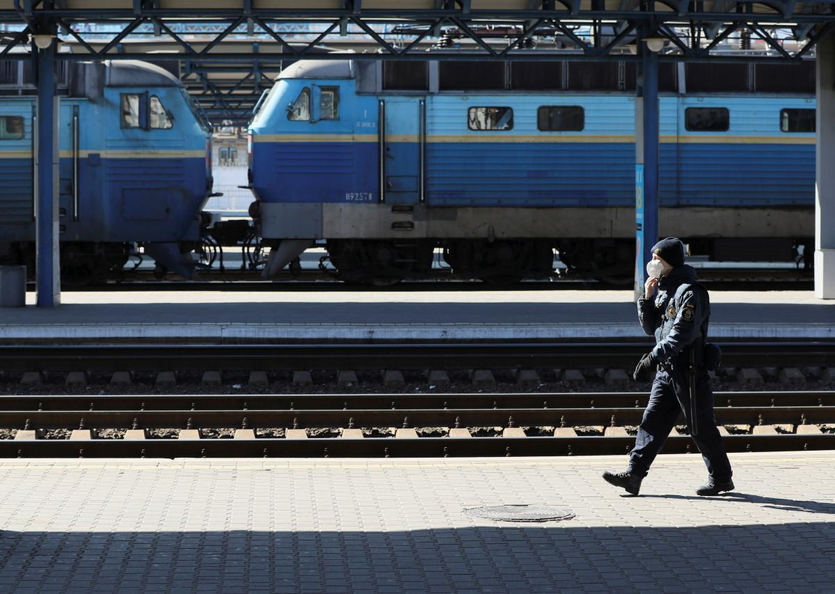 В 'Укрзализныце' хотят отремонтировать в этом году более 80 мостов