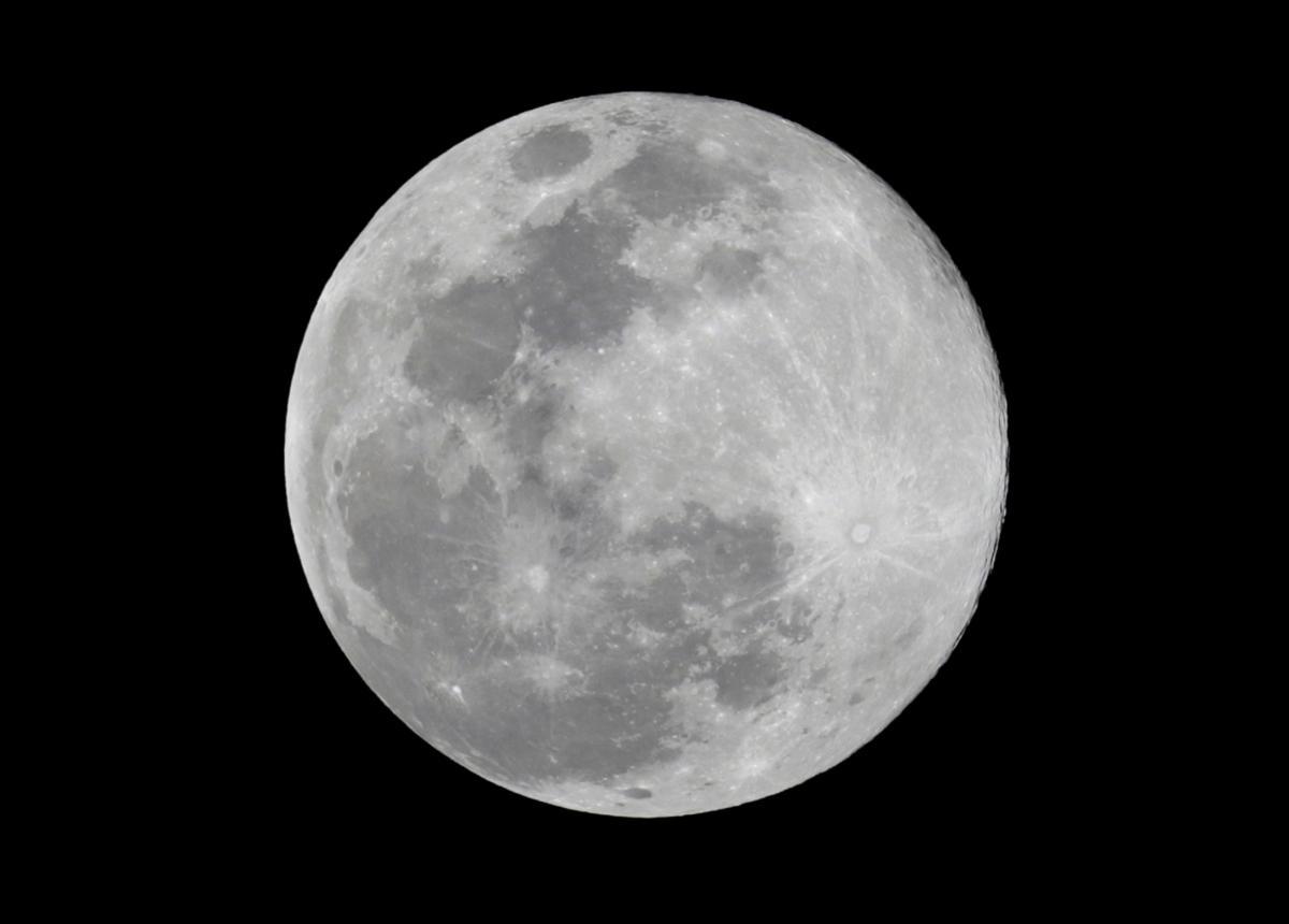 Пентагон в будущем собирается защищать базы NASA на Луне