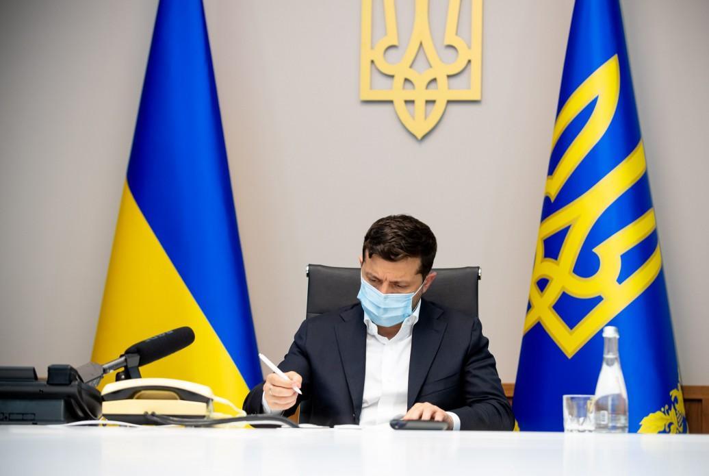 Зеленский подписал закон об админпротоколах НАПК в отношении судей-коррупционеров